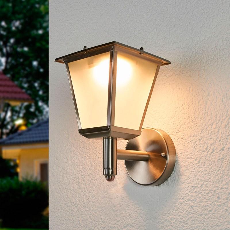 Классический настенный уличный светильник